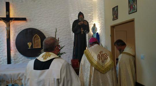 Figura św. Charbela jest już w kaplicy biskupiej w Miliczu (21.09.2020)