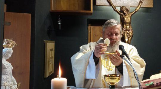 Transmisja Mszy Świętej-Uroczystość Wszystkich Świętych- Florencja godz.11.00, kaplica św. Charbela (1.11.2020)