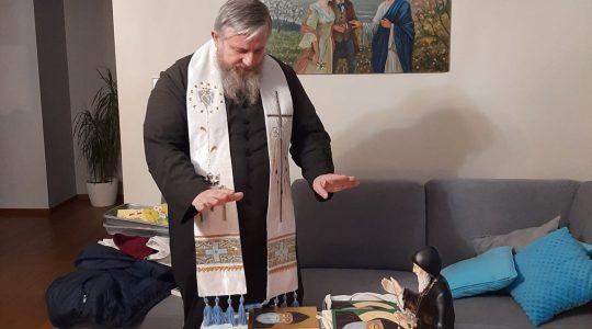 Mimo śniegu i mrozu ks. Jarek odwiedza tych, którzy go zapraszają (18.01.2011)